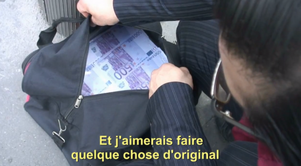 فيديو ملياردير قطري يوزع سيارات
