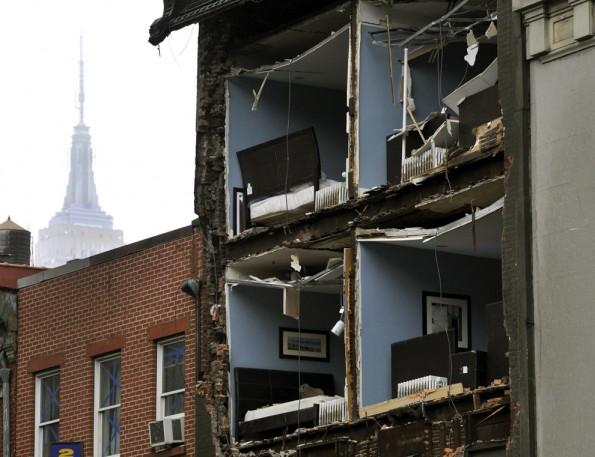 شاهد الدمار الذي خلفه اعصار