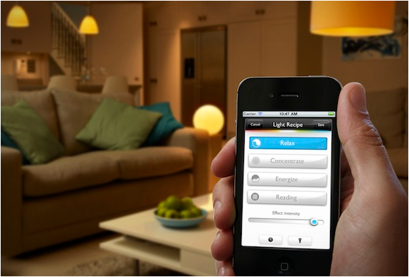 Philips تحكم بإضاءة منزلك خلال