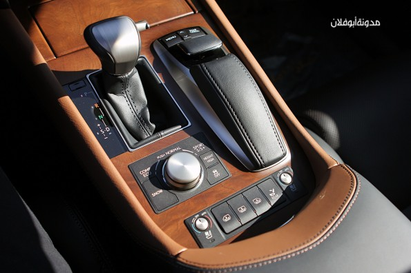 Lexus LS460 2013-9
