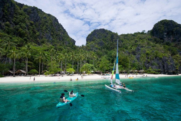 05-el-nido-resorts-activities-relax-at-our-beach-clubs